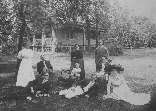 The William Ponton family, Sidney Cottage, Belleville, 1909